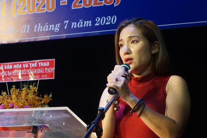 NSƯT Kim Tử Long, Cát Tường, Hạnh Thúy bày tỏ nỗi lòng tại Đại hội Sân khấu TP HCM - Ảnh 1.