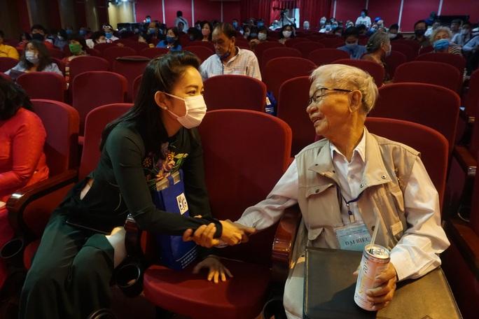 NSƯT Kim Tử Long, Cát Tường, Hạnh Thúy bày tỏ nỗi lòng tại Đại hội Sân khấu TP HCM - Ảnh 6.