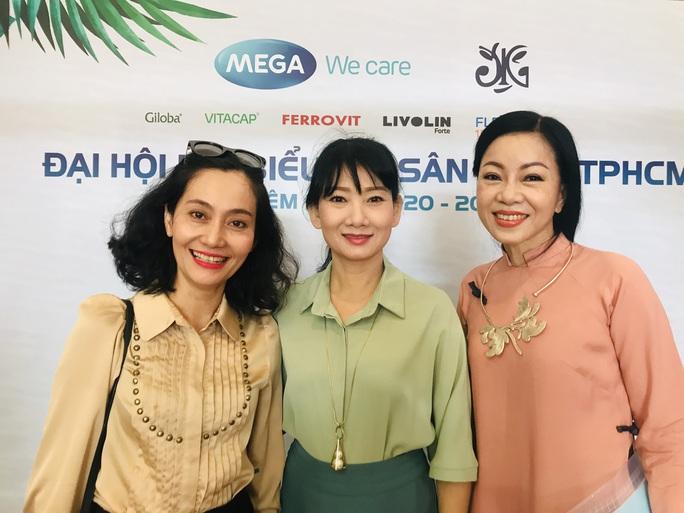 NSƯT Kim Tử Long, Cát Tường, Hạnh Thúy bày tỏ nỗi lòng tại Đại hội Sân khấu TP HCM - Ảnh 11.