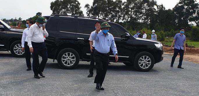 Thủ tướng kiểm tra dự án cao tốc Trung Lương - Mỹ Thuận - Ảnh 1.