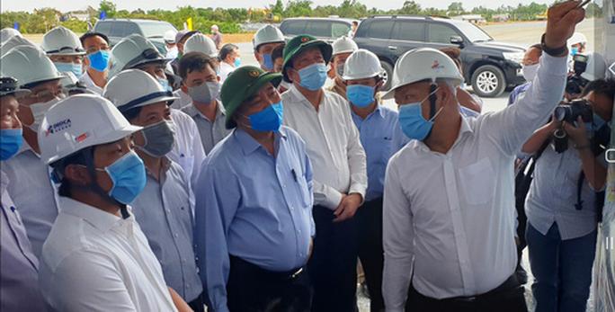 Thủ tướng kiểm tra dự án cao tốc Trung Lương - Mỹ Thuận - Ảnh 3.