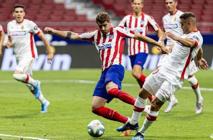 Chân gỗ Morata lập đại công, Atletico Madrid mơ Champions League - Ảnh 4.