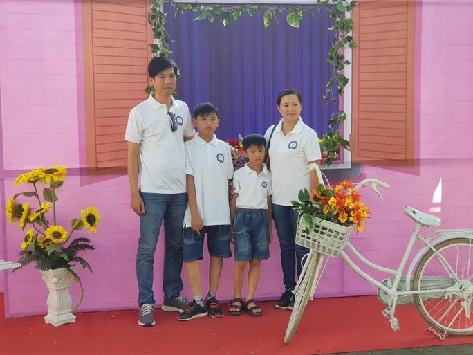 Tôn vinh  53 gia đình CNVC-LĐ văn hóa - hạnh phúc - Ảnh 3.