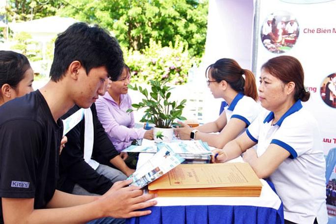 Đà Nẵng: Tưng bừng ngày hội việc làm, hướng nghiệp - Ảnh 1.