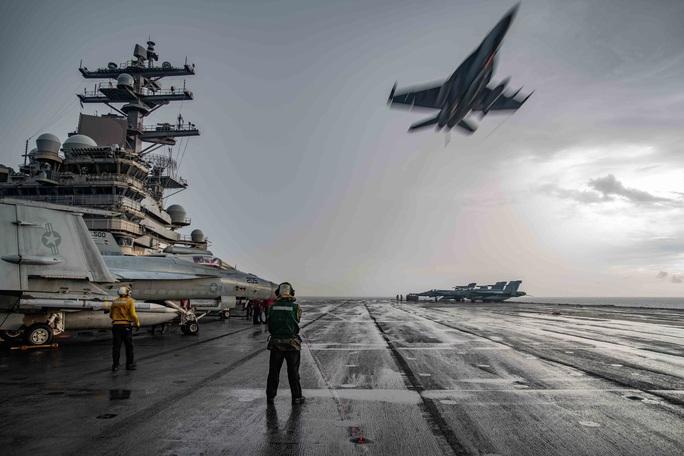 Những hình ảnh đầu tiên của cuộc tập trận Mỹ ở biển Đông - Ảnh 1.