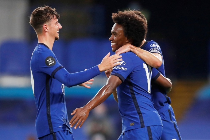 Chelsea, Leicester thắng 3 sao, sân cỏ Ngoại hạng Anh nóng rực - Ảnh 4.