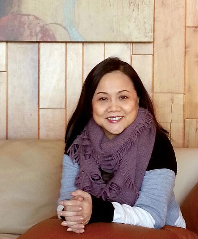 NSƯT Nam Hùng cấp cứu, đạo diễn Ái Như ngã chấn thương cột sống - Ảnh 2.