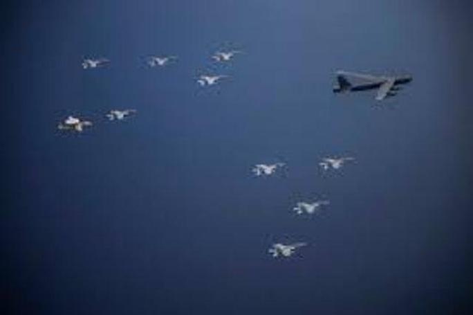 B-52 bay thẳng từ Mỹ đến biển Đông tham gia tập trận - Ảnh 2.