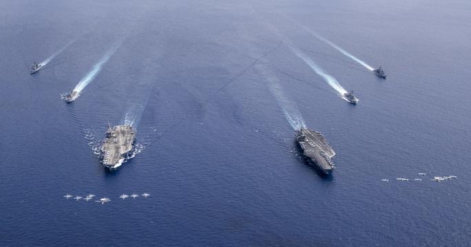 Mỹ tập trận rầm rộ ở biển Đông, gửi cảnh báo đến Trung Quốc - Ảnh 1.