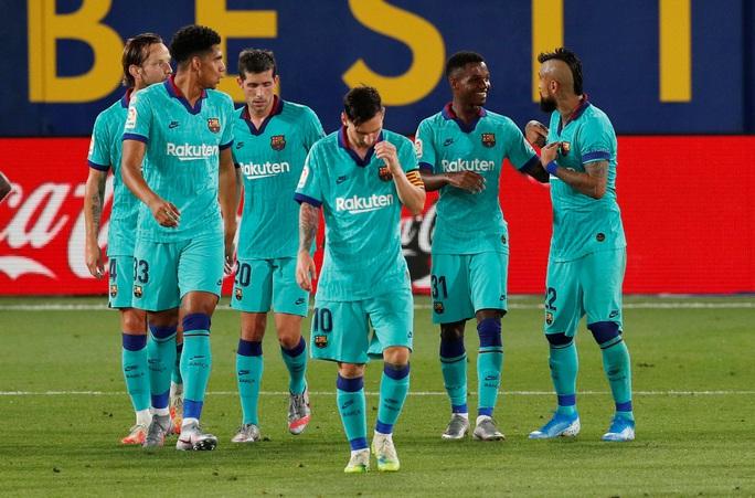 Nhấn chìm tàu ngầm vàng Villarreal, Barcelona quyết đua vô địch - Ảnh 7.