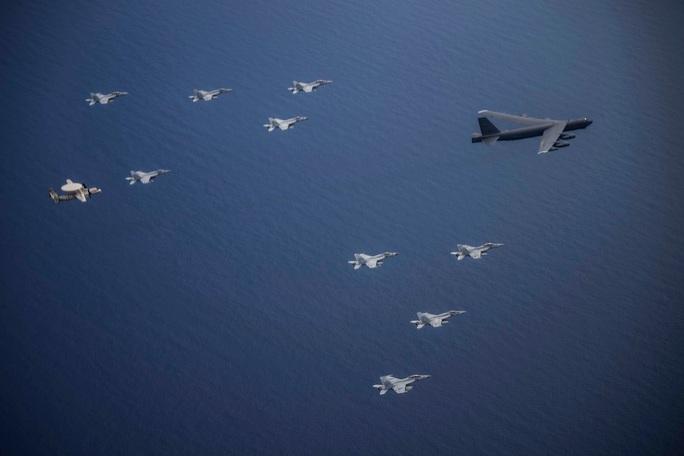 Mỹ tập trận rầm rộ ở biển Đông, gửi cảnh báo đến Trung Quốc - Ảnh 16.