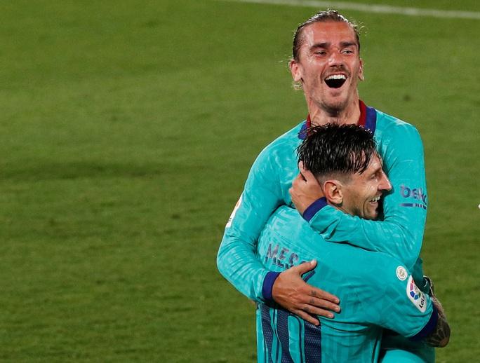 Nhấn chìm tàu ngầm vàng Villarreal, Barcelona quyết đua vô địch - Ảnh 5.