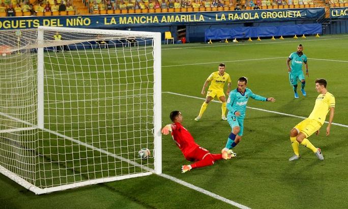 Nhấn chìm tàu ngầm vàng Villarreal, Barcelona quyết đua vô địch - Ảnh 2.
