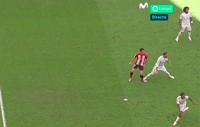 Đao phủ Ramos lập kỷ lục ghi bàn, Real Madrid được ưu ái? - Ảnh 4.