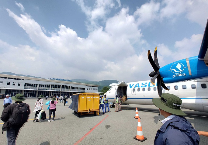 Hãng hàng không chen chân ra Côn Đảo - Ảnh 1.