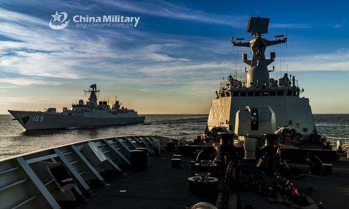 Mỹ tập trận rầm rộ ở biển Đông, gửi cảnh báo đến Trung Quốc - Ảnh 21.