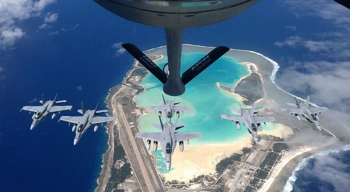 Mỹ mở rộng căn cứ quân sự ở đảo Wake ở Thái Bình Dương để chuẩn bị cuộc chiến trên không - Ảnh 1.