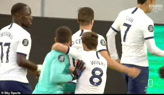 Son Heung-min bị gây hấn, Tottenham ăn may Everton vào Top 8 - Ảnh 5.