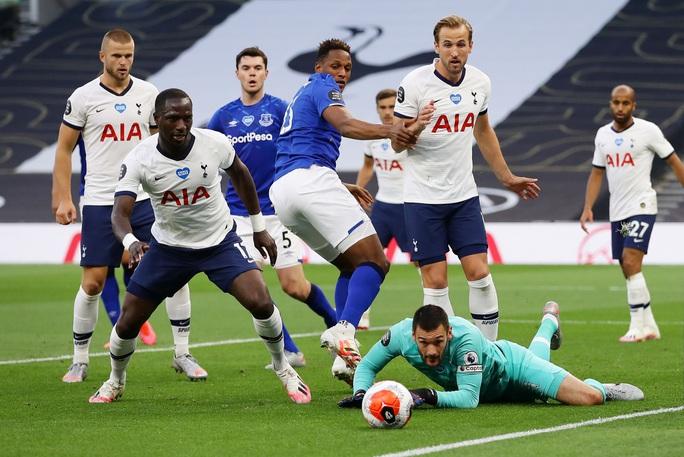 Son Heung-min bị gây hấn, Tottenham ăn may Everton vào Top 8 - Ảnh 8.