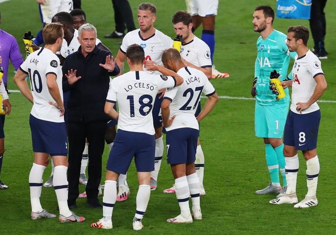Tottenham sa thải HLV Jose Mourinho - Ảnh 2.