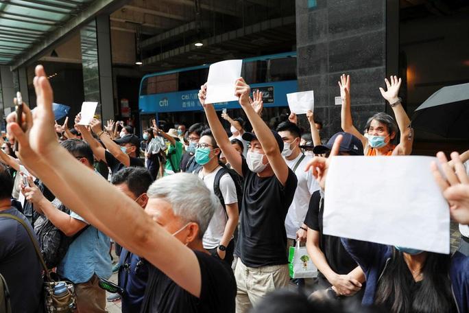 Chi tiết mới gây lo ngại của Luật an ninh Hồng Kông  - Ảnh 2.