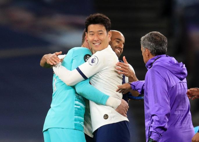 Son Heung-min bị gây hấn, Tottenham ăn may Everton vào Top 8 - Ảnh 6.