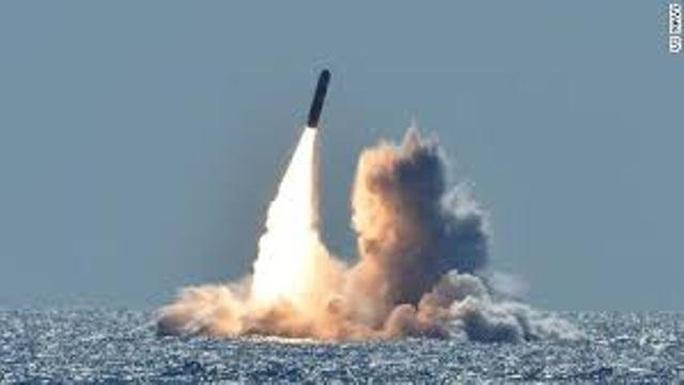 Trung Quốc thách Mỹ cắt giảm kho vũ khí hạt nhân, Mỹ lặng im - Ảnh 2.