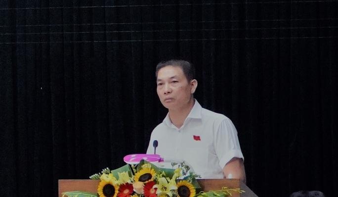 Đại biểu Nguyễn Viết Hải - Tổng Giám đốc Công ty TNHH Tập đoàn Sơn Hải trong một lần phát biểu tại kỳ họp HĐND tỉnh Quảng Bình