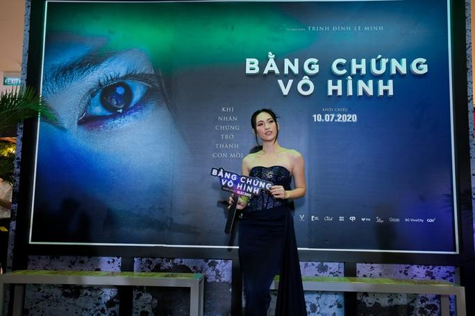 Sao Việt hội tụ thảm đỏ ra mắt phim Bằng chứng vô hình - Ảnh 6.