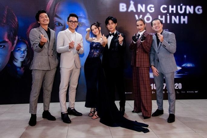Sao Việt hội tụ thảm đỏ ra mắt phim Bằng chứng vô hình - Ảnh 11.