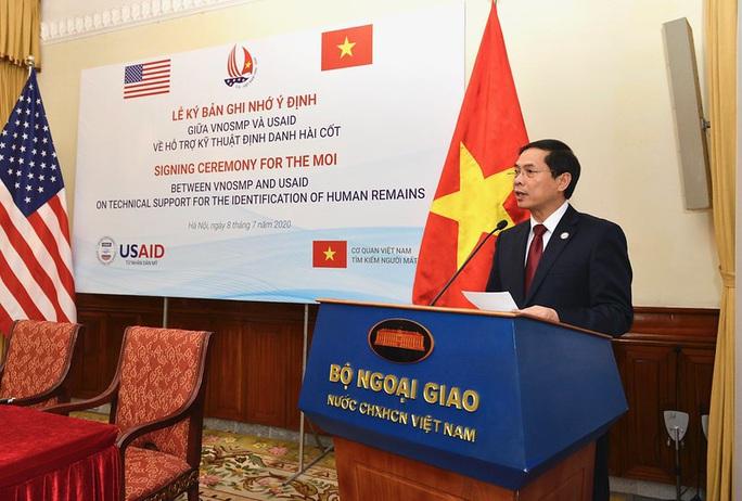 Mỹ hỗ trợ Việt Nam phân tích ADN xác định danh tính quân nhân - Ảnh 2.
