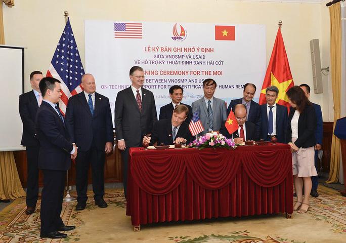 Mỹ hỗ trợ Việt Nam phân tích ADN xác định danh tính quân nhân - Ảnh 1.