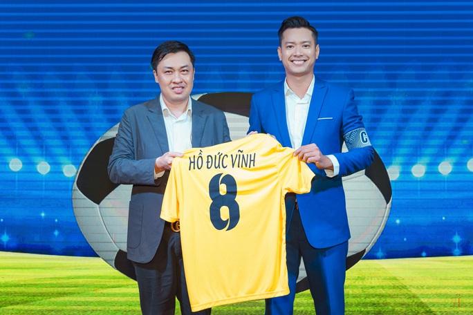 Đội bóng Nghệ sỹ được HLV Hữu Thắng, thủ môn Bùi Tấn Trường ủng hộ - Ảnh 3.