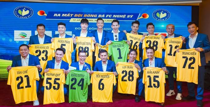 Đội bóng Nghệ sỹ được HLV Hữu Thắng, thủ môn Bùi Tấn Trường ủng hộ - Ảnh 5.