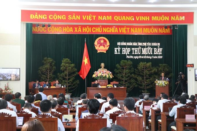 Chủ tịch HĐND tỉnh Phú Yên Huỳnh Tấn Việt xin thôi chức, vắng mặt kỳ họp HĐND - Ảnh 1.