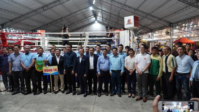 Nguyễn Trần Duy Nhất đưa đại quân đến tham dự giải vô địch Muay TP HCM 2020 - Ảnh 1.