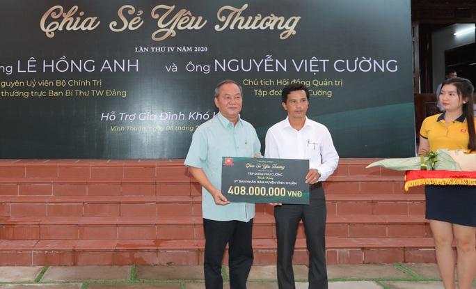 Đại tướng Lê Hồng Anh trao quà cho người nghèo vùng U Minh Thượng - Ảnh 4.