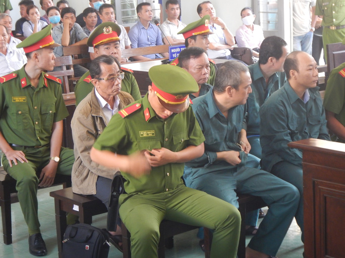 Xét xử các lãnh đạo TP Phan Thiết vì sai phạm đất đai - Ảnh 1.
