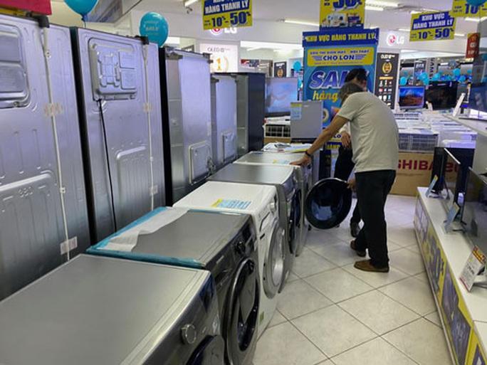 Cân nhắc mua hàng điện máy thanh lý - Ảnh 1.