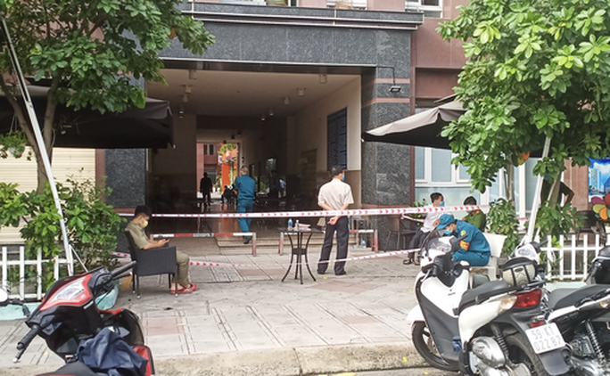 TP HCM: 335 cư dân chung cư Thái An âm tính với SARS-CoV-2, gỡ bỏ phong tỏa 14/15 tầng - Ảnh 1.