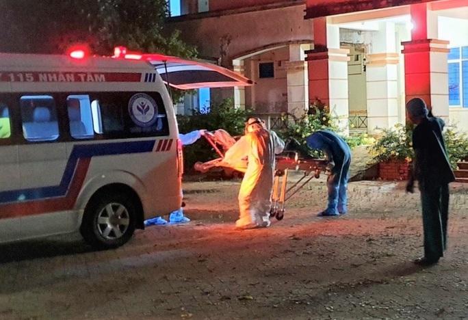 Quảng Ngãi chia lửa cho các bệnh viện ở Đà Nẵng, Quảng Nam - Ảnh 1.