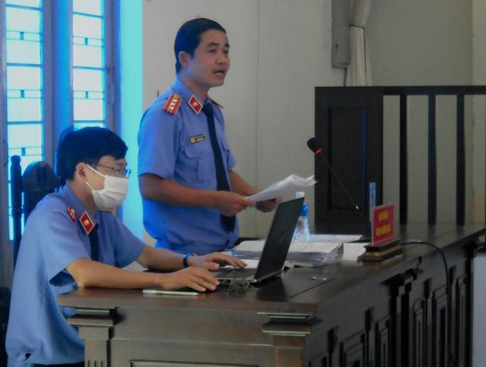 Mở lại phiên tòa xét xử các lãnh đạo TP Phan Thiết vì sai phạm đất đai - Ảnh 2.