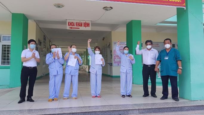 Tin vui: 4 bệnh nhân Covid-19 ở Đà Nẵng xuất viện - Ảnh 2.
