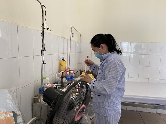 Tin vui: 4 bệnh nhân Covid-19 ở Đà Nẵng xuất viện - Ảnh 3.