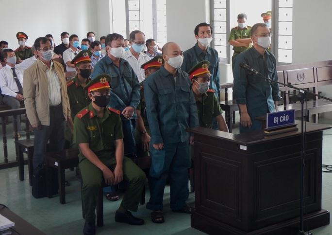 Xét xử nguyên lãnh đạo TP Phan Thiết sai phạm đất đai - Ảnh 1.