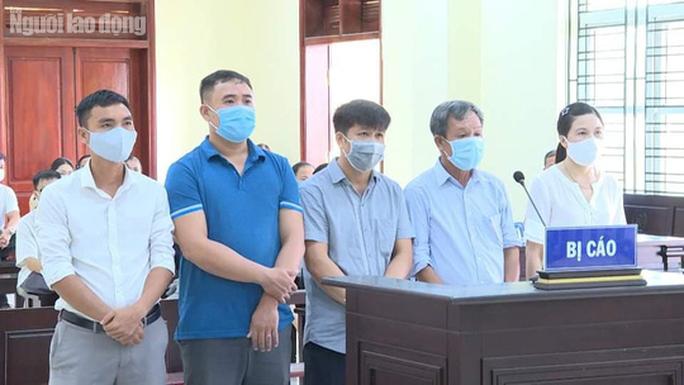 5 cựu cán bộ TP Thanh Hóa hô biến lúa thành hoa ly bị đề nghị mức án từ 6 tháng đến 6 năm tù - Ảnh 1.