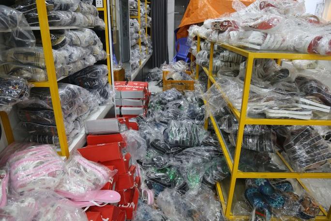 Bí mật ở cửa hàng thời trang Nguyễn tại Bà Rịa - Vũng Tàu - Ảnh 2.