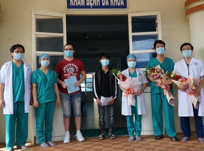 Đà Nẵng- Quảng Ngãi: Thêm 3 bệnh nhân Covid-19 xuất viện - Ảnh 1.