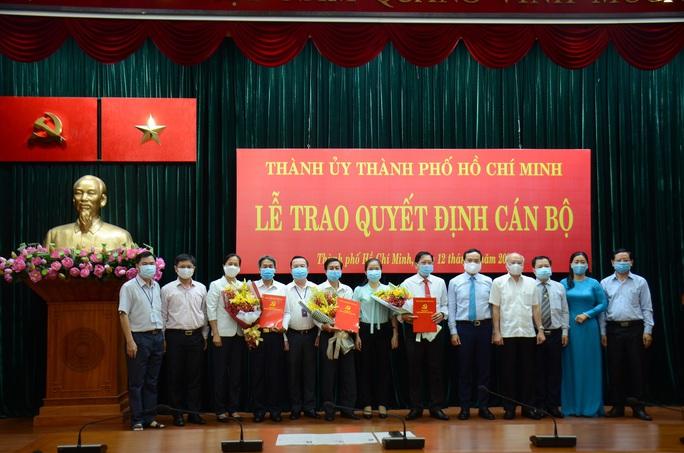 TP HCM điều động nhiều cán bộ cấp quận về Thành ủy - Ảnh 1.