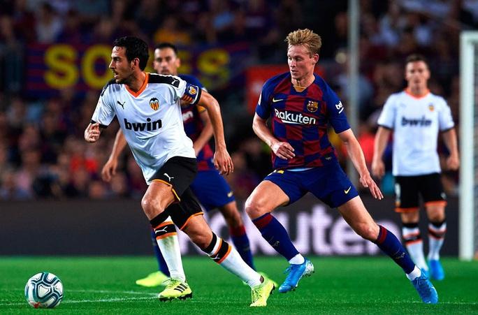 Cạn kiệt tài chính, cựu vương Valencia rao bán cả đội bóng La Liga - Ảnh 4.
